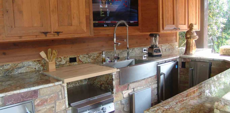 Elements of The Perfect Outdoor Kitchen Houston