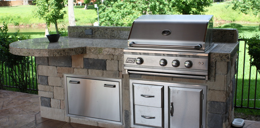 How to Make an Affordable Outdoor Kitchen