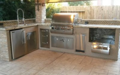 4 Ingredients for the Perfect Outdoor Kitchen