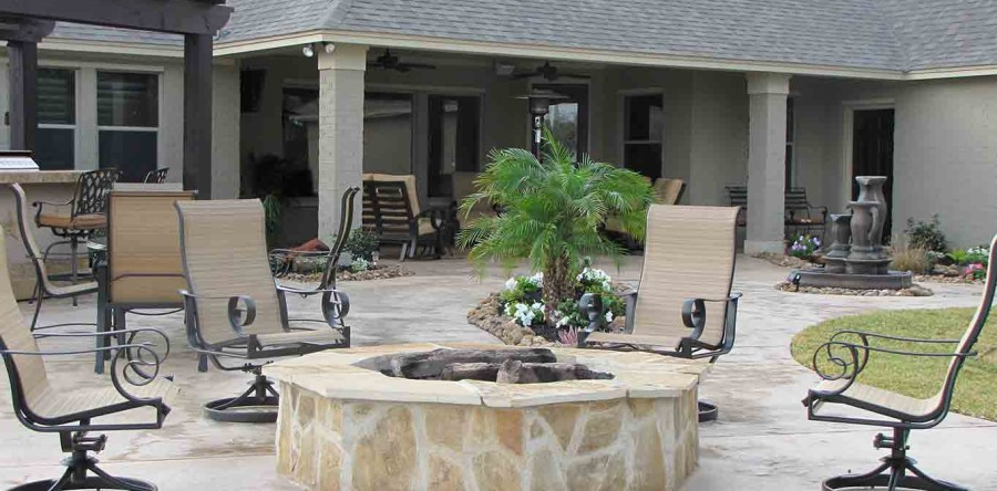 5 Benefits of Having an Outdoor Fire Pit or Fireplace